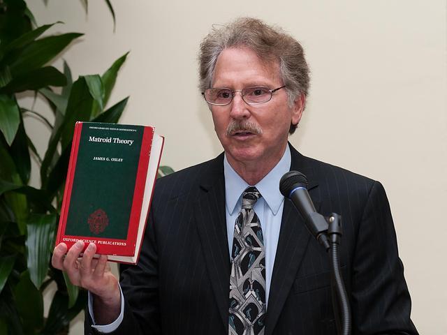 06. Professor Perlis